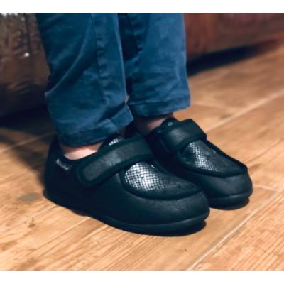 Zapatilla de calle - negra