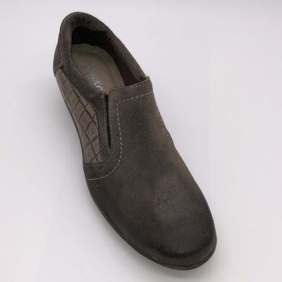 Zapato de piel marrón